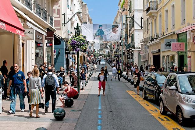 Passeando pela Rue d'Antibes em Cannes