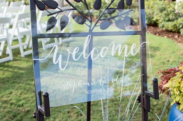 clear welcome sign