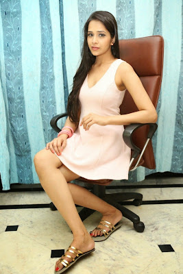 Abha+Singhal+Latest+Stills+(14) Actress Abha Singhal Spicy Photo Gallery in Skirt