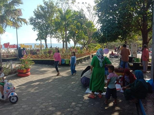 Taman Wisata Muara Indah Kotaagung ramai pengunjung dihari lebaran. Pengunjung didominasi keluarga membawa anak-anak