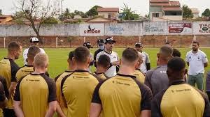 Goiânia renova com treinador Édson Júnior