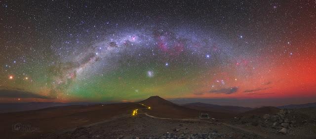 Dải Ngân Hà cùng ánh sáng khí quyển phương nam. Hình ảnh: Yuri Beletsky (Carnegie Las Campanas Observatory, TWAN).