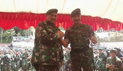 Gunernur Sulut, Olly Dondokambey bersama Danrem 131 Santiago, Brigjen TNI Sulaiman Agusto.