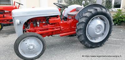 Expo de tracteurs agricoles anciens, fête de l'Oignon,  saint Beauzire 2021