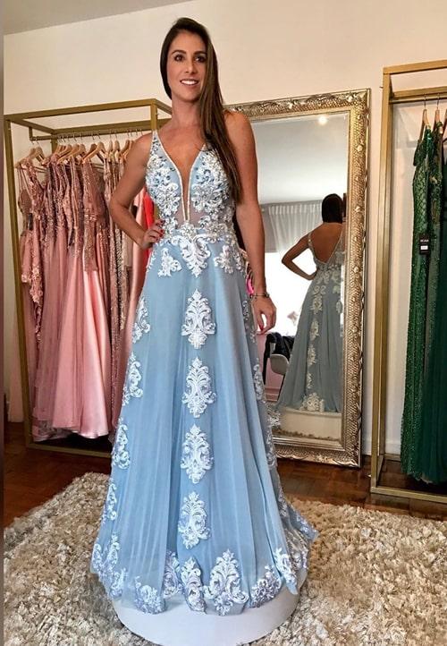 vestido de festa longo azul claro rendado para madrinha de casamento