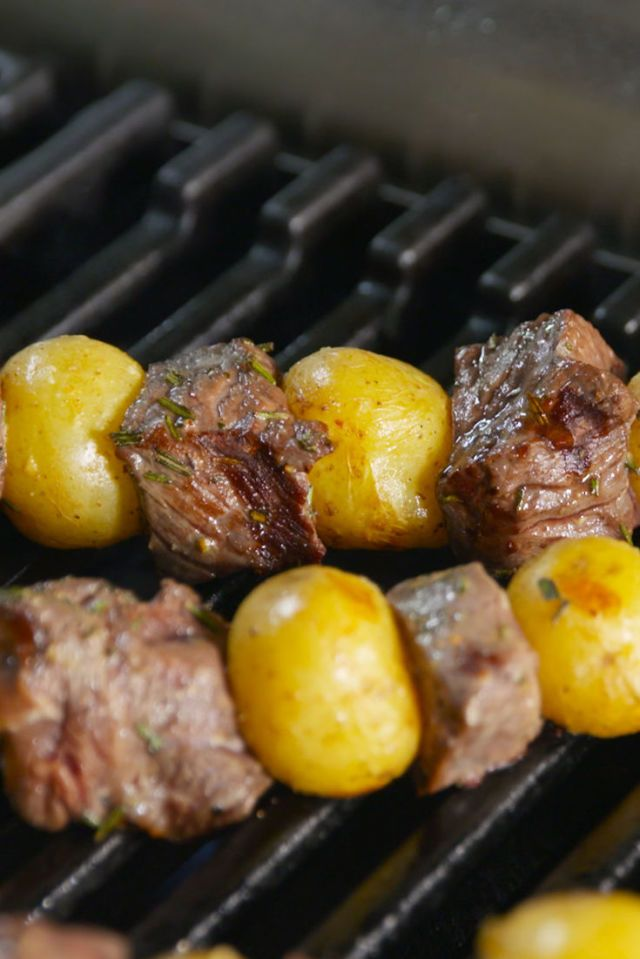 ★★★★★   Steak And Potatoes On A Stick