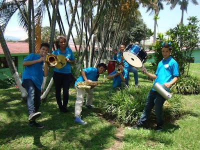 """Bandas de Música formadas en decenas de países de todo el mundo como """"Los Tapas Dulces"""" de Costa Rica:"""