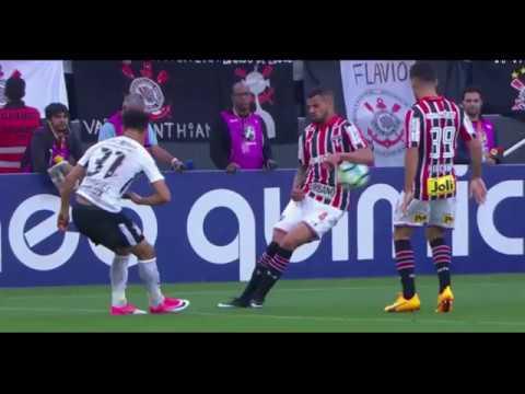 Corinthians vence clássico contra o São Paulo e segue líder do brasileirão. Veja resultados e detalhes da 6ª rodada.
