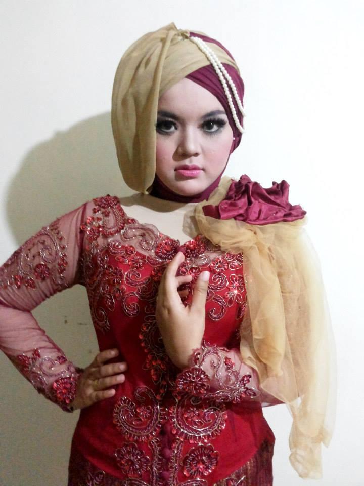 Jilbab Untuk Kebaya Wisuda Modern Balsem B