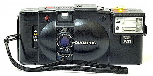Olympus XA 2, Front