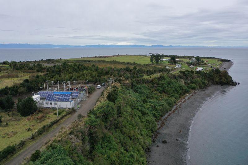 Inauguran proyecto de electrificación en la aislada Isla Chaullín