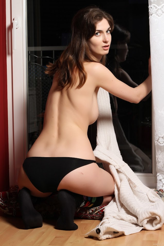 [EroticBeauty] Charlotta Phillip - Posing At Home