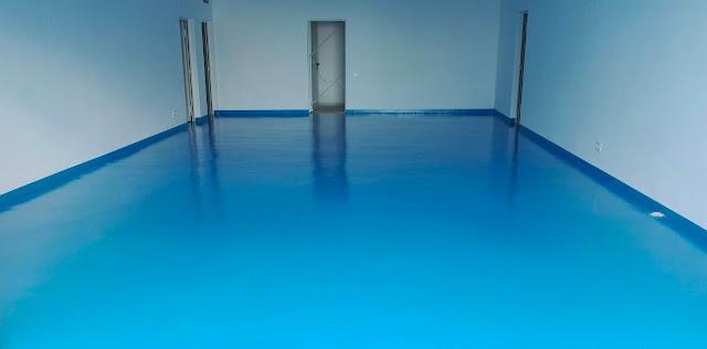 Pinta el suelo del garaje
