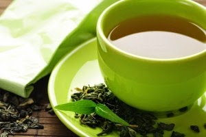 Cara menebalkan rambut dengan teh hijau