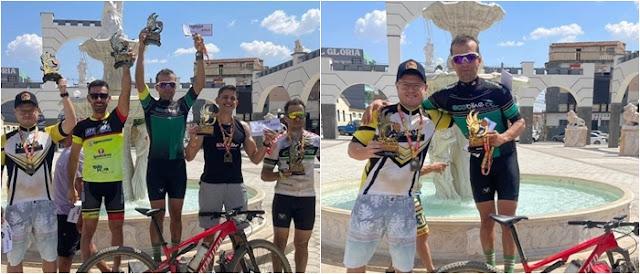 Ciclistas de Dom Basílio sobem ao pódio durante a competição Master A2 em Bom Jesus da Lapa