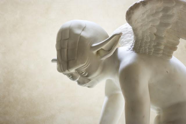 スターウォーズのギリシャ彫刻が見つかる⁉︎5枚【Art】