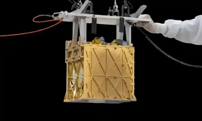 NASA's Mars Rover Turns Mars Air Into Breathable Oxygen