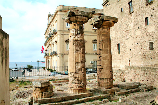 tempio dorico, resti, monumento, Taranto