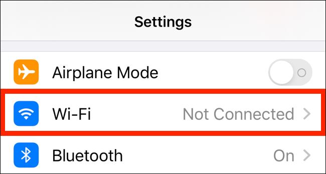 اضغط على خيار Wi-Fi في صفحة الإعدادات