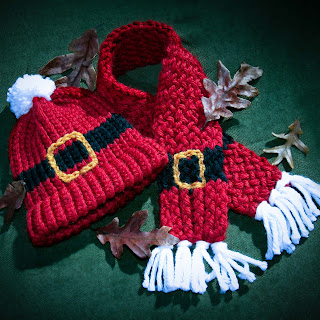 Loom Knit Santa Scarf and Hat With Buckle Child Size