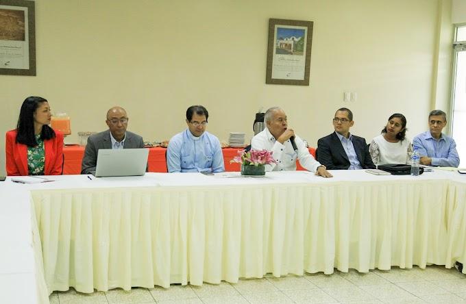 MESCYT y UCATEBA sostienen encuentro con empresarios de la Región Enriquillo