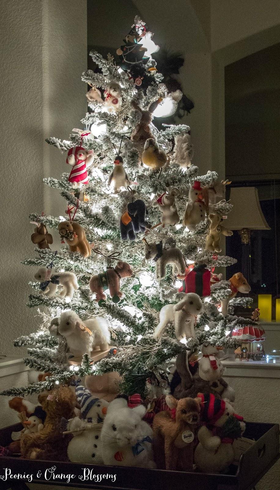 Flocked animal tree