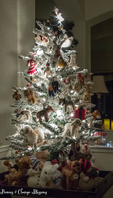 Flocked animal tree