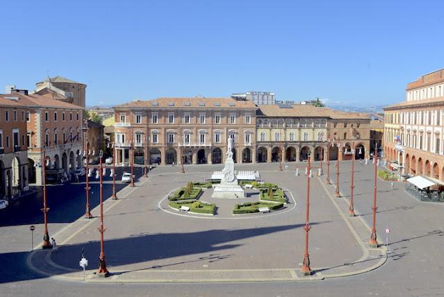 forli_piazza_aurelio_saffi