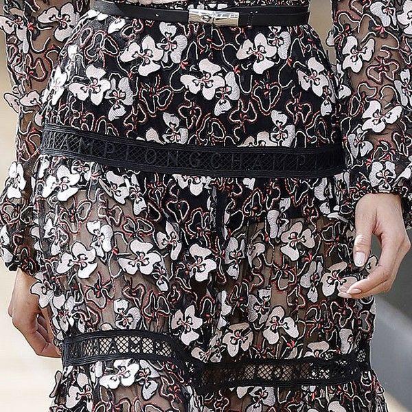 Robe fleurs noires et blanches Longchamp Défilé Printemps-Été 2020 New York