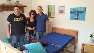 Η Χρυσή Αυγή δίπλα στην Μυρτώ: Δωρεά της ιατρικής κλίνης και της συσκευής οξυγόνου στο νέο της σπίτι