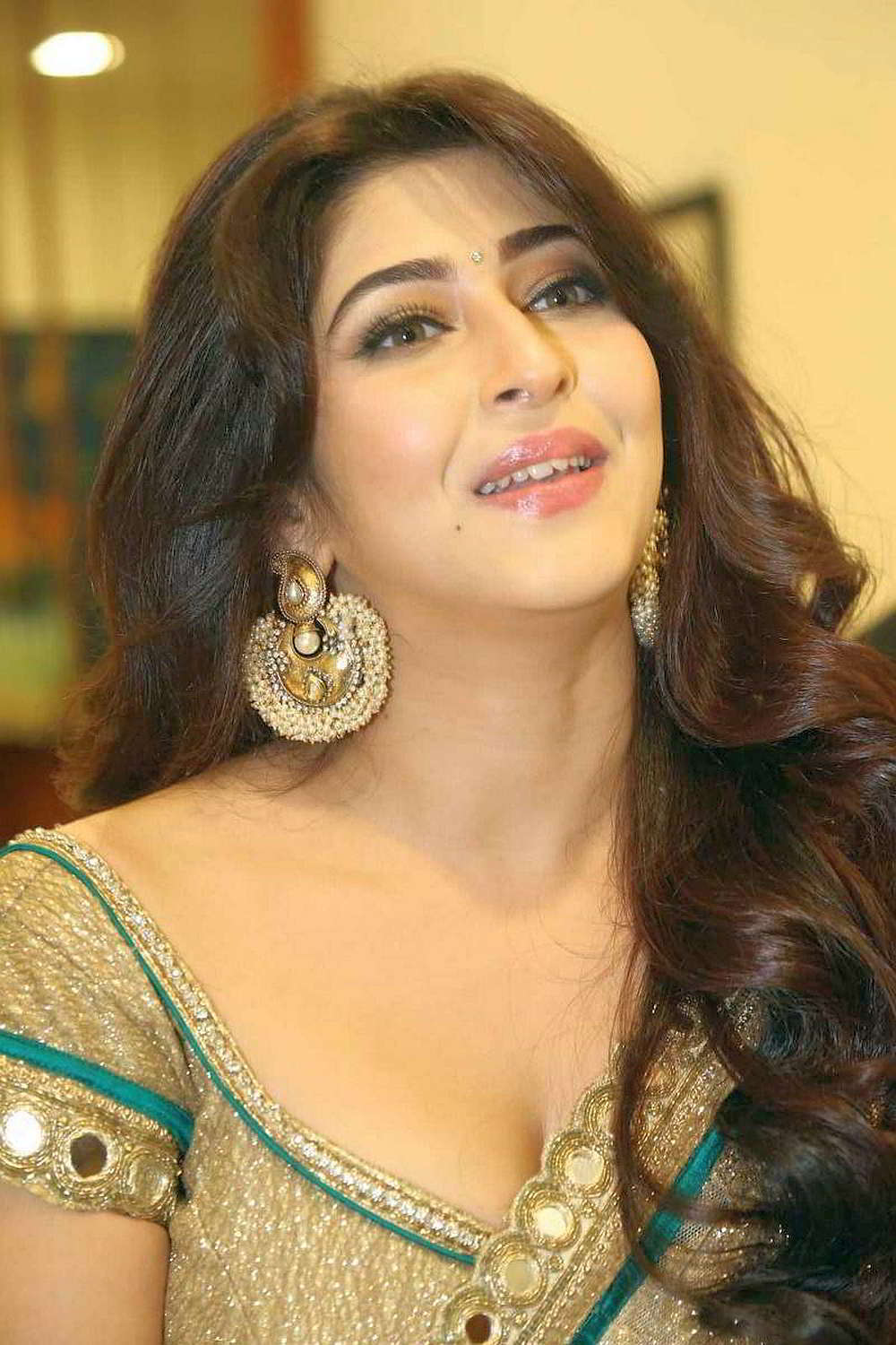 Sonarika Bhandoria Super Cute Beauty in Saree Spicy Pics
