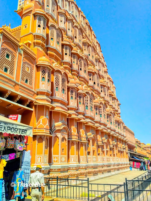 Hawa Mahal by Travelflue
