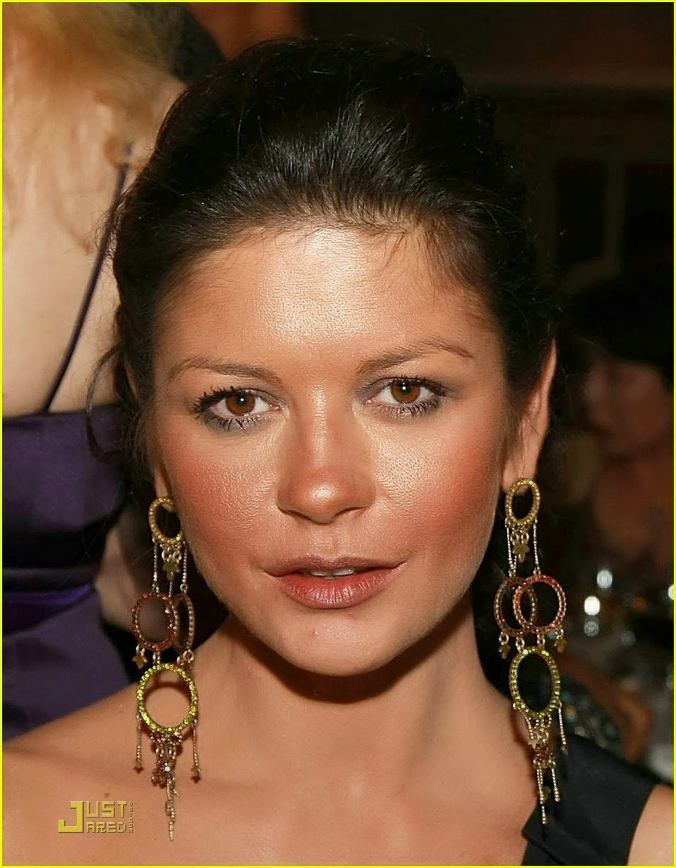 Rumor Catherine Zeta Jones Plastic Surgery Before and After Breast Implants,Botox, Cheek ...
