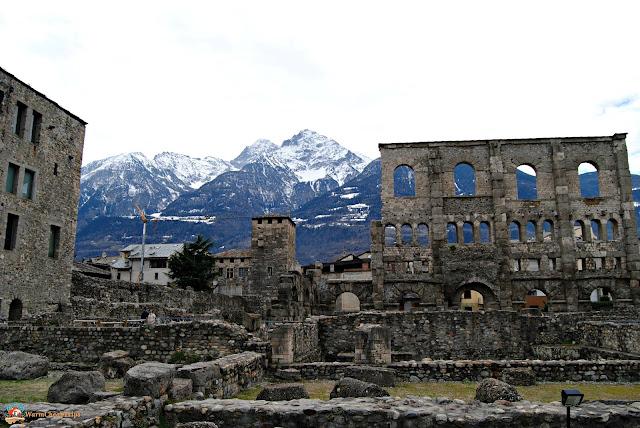 Aosta romana, teatro romano aosta, Castelli Valle d'Aosta, valle d'Aosta, castelli, Aosta, fenis, issogne, verres, forte di bard, castel savoia, castello di sarre, challant