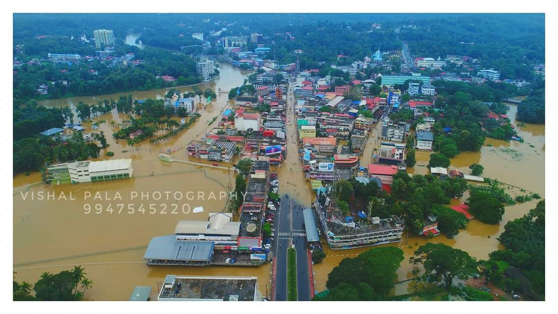 Monsson floods in kerala, towns under water,monsoon photos,pala flood