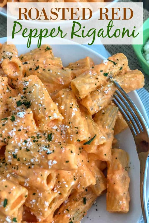 ROASTED RED PEPPER RIGATONI #recipes #dinnerrecipes #dinnermeals #dinnermealstocook #food #foodporn #healthy #yummy #instafood #foodie #delicious #dinner #breakfast #dessert #lunch #vegan #cake #eatclean #homemade #diet #healthyfood #cleaneating #foodstagram