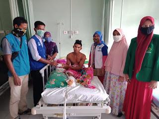 LPD Bireun Kunjungi Haryadi Korban Kecelakaan