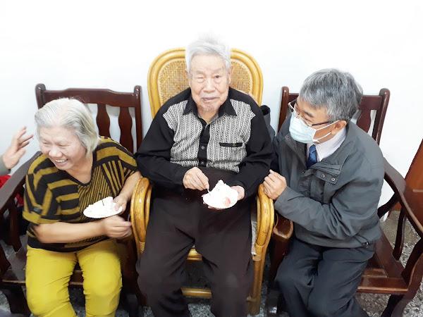 榮民姚爺爺百歲生日趴 彰化榮服處高唱黃梅調祝賀