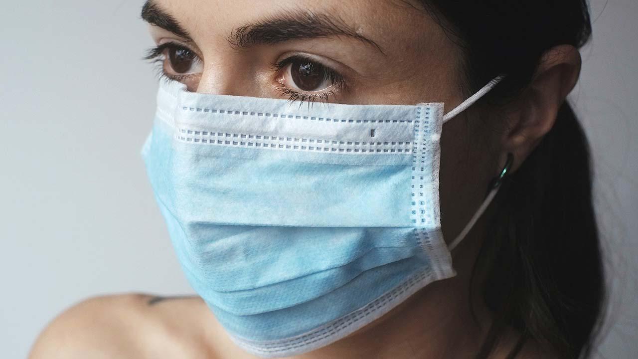 Ciri-ciri dan Gejala Terkena Virus Corona pada Manusia