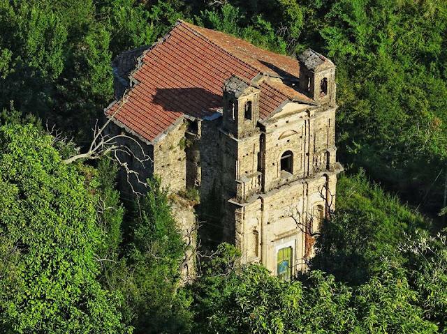 La chiesa dei tre nomi, un edificio del XIII secolo in alta val Nervia