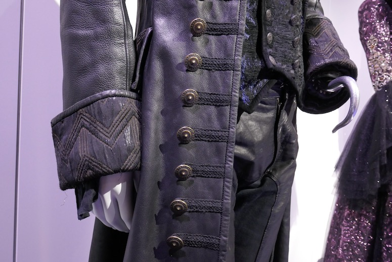 Once Upon a Time Hook costume detail