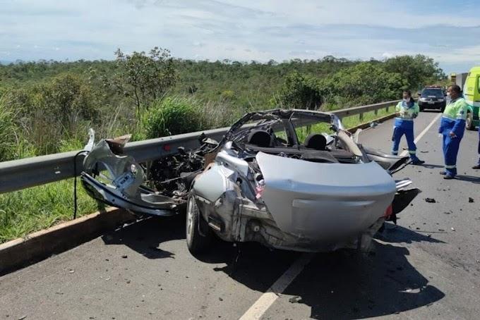 TRAGÉDIA | Acidente entre carro e caminhão deixa cinco mortos; família viajava de São Paulo até a Bahia