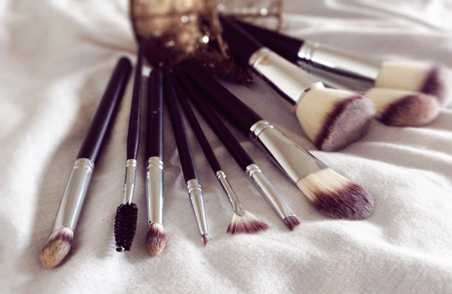 Crownbrush makeup brushes 516 syntho set blog review aimerose