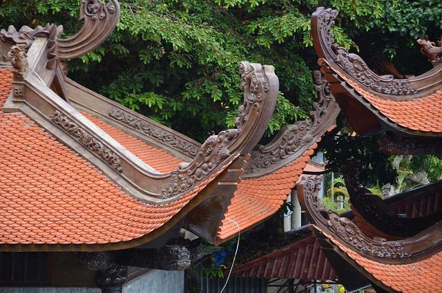 Cai Bau Pagoda Ground, Pagoda, pagoda in Halong Bay,