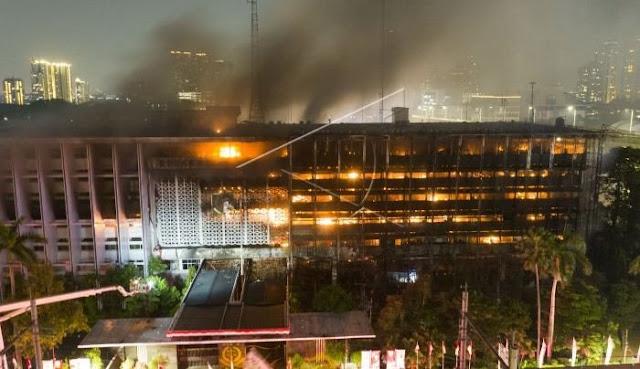 Kabar Terbaru : Gedung Kejaksaan Agung RI Terbakar