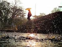 Doa dan Tindakan Rasulullah Yang Patut Dicontoh Ketika Hujan Deras Disertai Angin Kencang