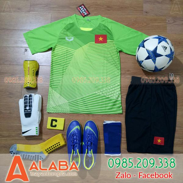 Áo bóng đá màu xanh chuối