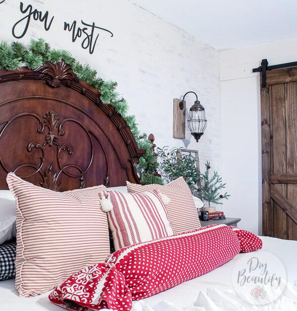 Christmas bedroom pillows