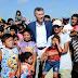 Macri entregó viviendas a inundados y realizó un guiño político a la UCR