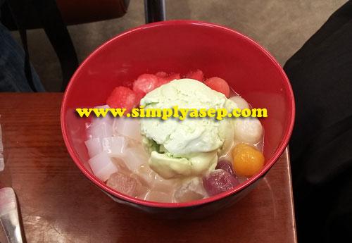 Ice Cream Merdeka D-3  21 K.  Foto Asep Haryono